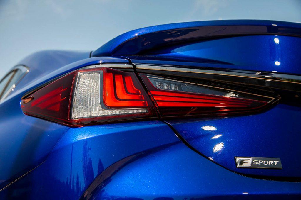 Lexus ES 2019