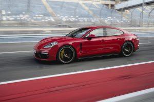 Фото Porsche Panamera GTS 2019