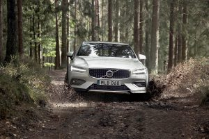 Фото Volvo V60 Cross Country 2019